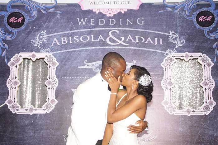 Wedding photo booth hire top 6 tips